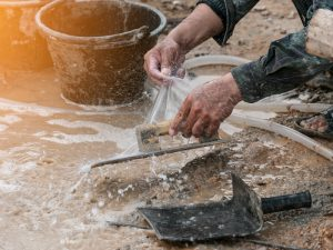 cleaning trowels